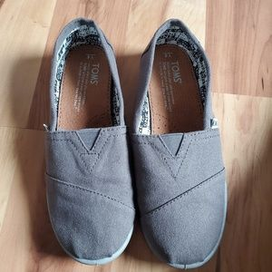 Classic Gray Toms